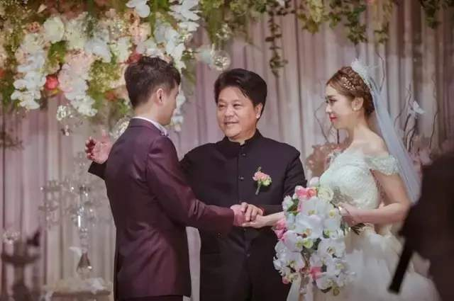 文采飞扬的婚礼主持台词