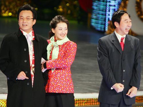 冯巩朱军牛莉2006年央视春晚相声剧《跟着媳妇当保姆》台词
