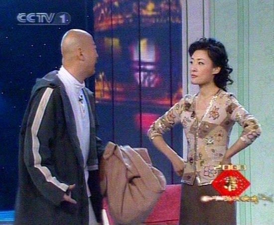 郭冬临周涛2008年央视春晚小品《新闻人物》台词