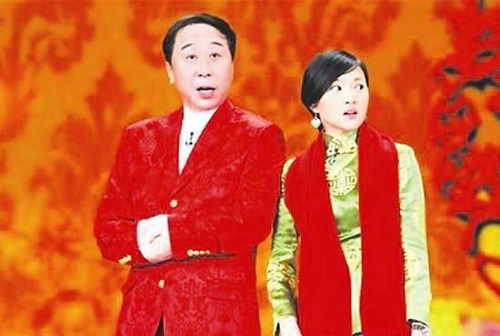 冯巩金玉婷2009年央视春晚相声剧《暖冬》台词