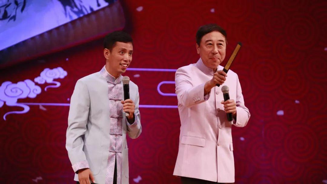 冯巩贾旭明2018年央视春晚相声《我爱诗词》台词